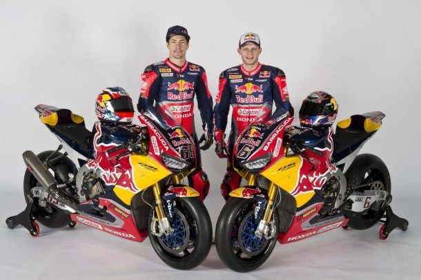 batch_2017-Red-Bull-Honda-World-Superbike-Team-Hangar-7-unveil-10