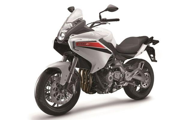benelli-tnt-600-gt-white-650x400