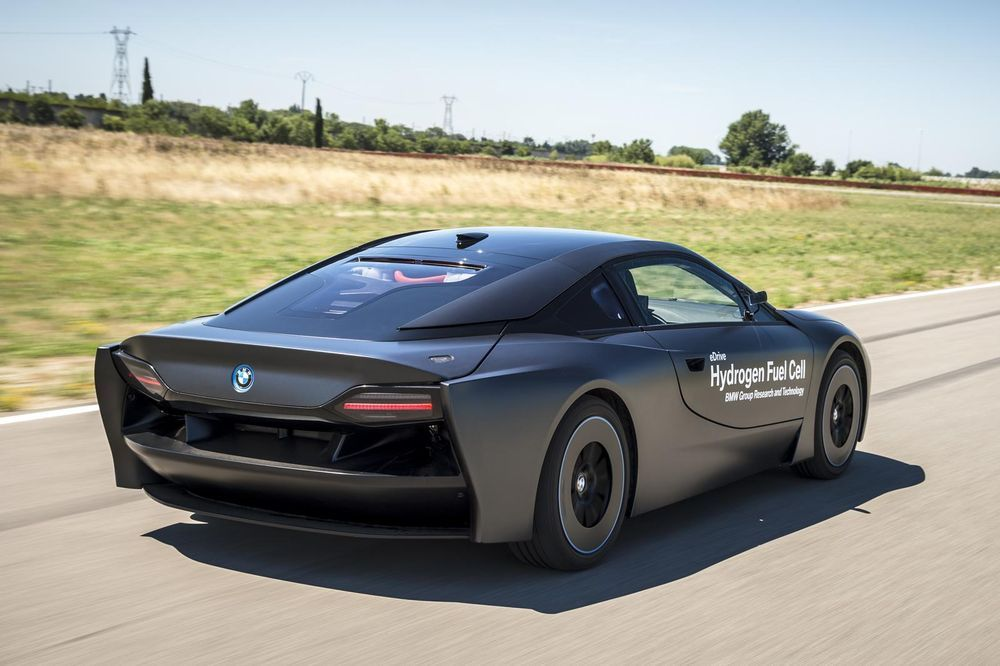 https://img.icarcdn.com/autospinn/body/bmw-fuel-cell-2.jpg
