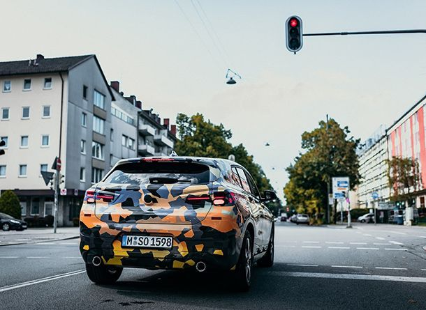 https://img.icarcdn.com/autospinn/body/bmw-x2-camo-new-official-pics-15-1.jpg