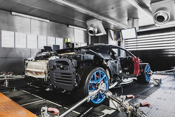 https://img.icarcdn.com/autospinn/body/bugatti-chiron-molsheim-atelier-12.jpg