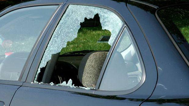 https://img.icarcdn.com/autospinn/body/car-with-broken-window612x344.jpg