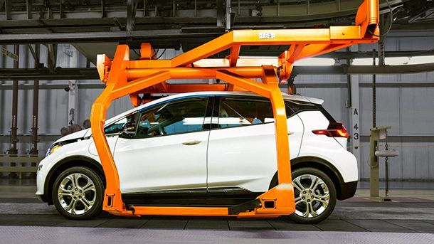 https://img.icarcdn.com/autospinn/body/chevy-bolt-ev-production-1.jpg