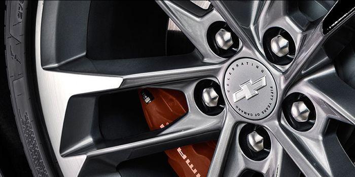 https://img.icarcdn.com/autospinn/body/chevy-camaro-50th-anniversary-edition-3-r.jpg
