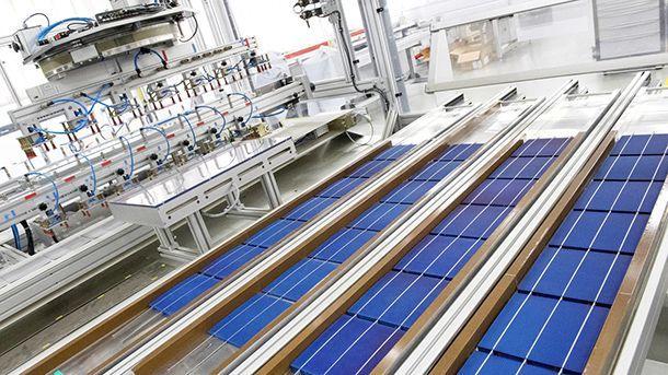 https://img.icarcdn.com/autospinn/body/colas-solar-panel-road-1.jpg