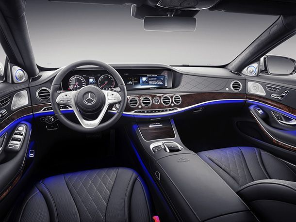 https://img.icarcdn.com/autospinn/body/d991af1a-2019-mercedes-maybach-s-class-03.jpg