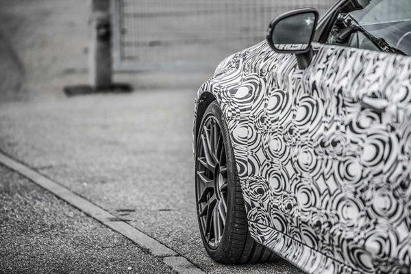 https://img.icarcdn.com/autospinn/body/mercedes-amg-c63-coupe-teaser-1_653.jpg
