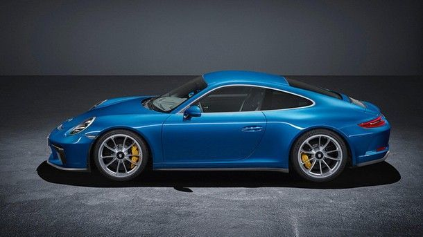 porsche-911-gt3-touring-package-leaked-official-image (1)