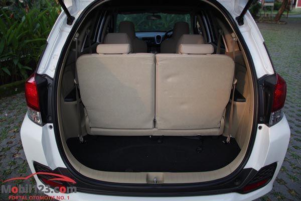 https://img.icarcdn.com/autospinn/body/review-Honda-Mobilio-21.jpg