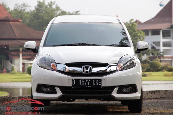 https://img.icarcdn.com/autospinn/body/review-Honda-Mobilio-6.jpg