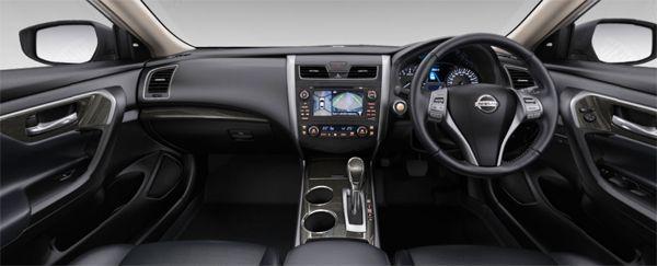 https://img.icarcdn.com/autospinn/body/teana-interior.jpg