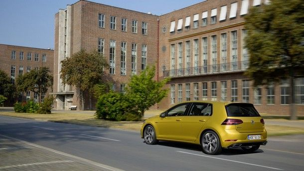 vw-golf-facelift-with-r-line-package