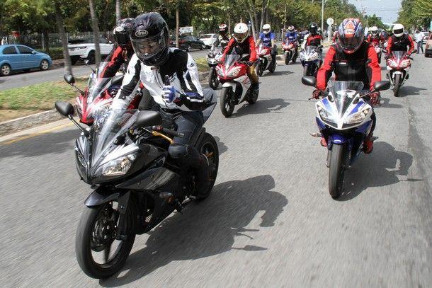 yamaha-r15-parade5