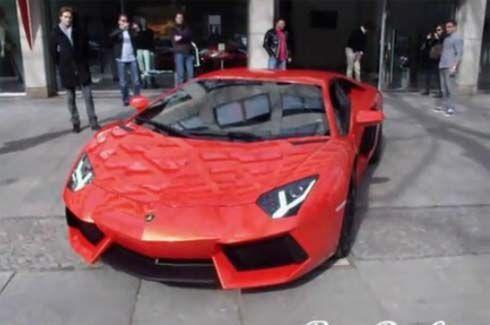 กระหึ่มจริงอะไรจริง! Lamborghini Aventador LP700-4 โชว์ตัวบนถนนในกรุงเบอร์ลิน