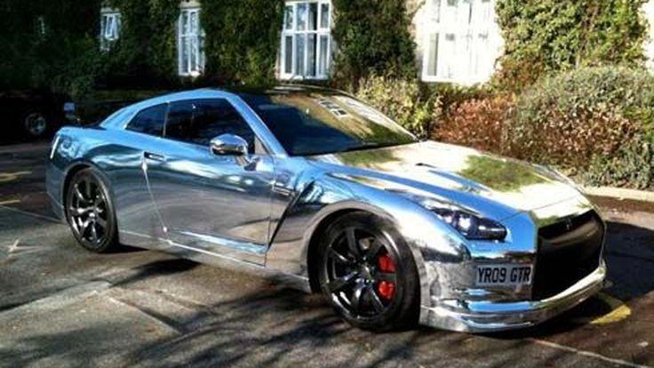 งานอดิเรกคนรวย Nissan GT-R ซื้อมา 5 เดือน เปลี่ยนไปแล้ว 2 สี ขาว-โครเมี่ยม