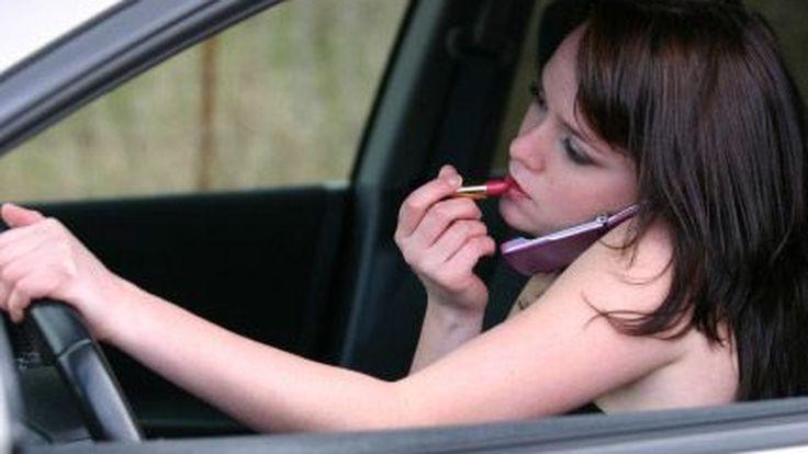 """นักวิชาการ จวก """"รถคันแรก"""" ป่วนถนน ทำเสี่ยงอุบัติเหตุกว่าเดิม"""