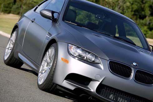 มีขายเฉพาะอเมริกา BMW M3 Coupe Frozen Gray รุ่นพิเศษ ตัวถังเทาด้าน เสริมด้วยชุดแต่ง Trio