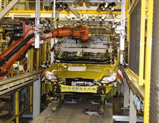 ยอดขาย-ผลิตรถยนต์เดือนม.ค.57 หดตัวกว่า 30%