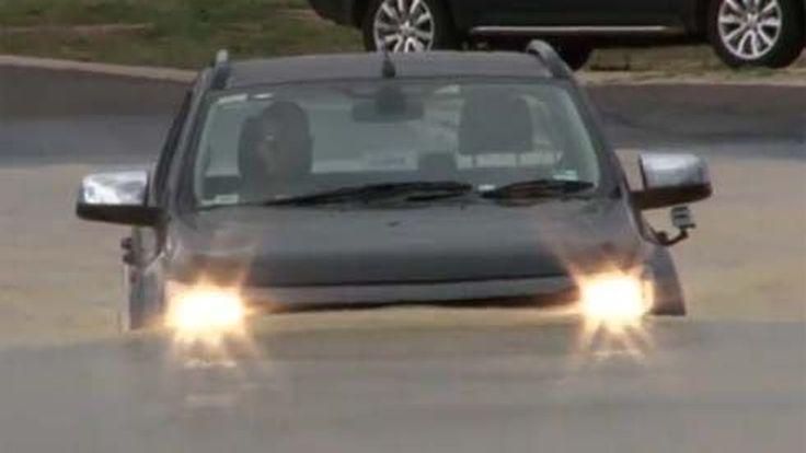 ไม่กลัวน้ำ! Ford Ranger 2012 กระบะแกร่งตัวใหม่ โชว์เหนือลุยน้ำลึกระดับ 0.8 เมตร