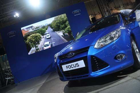 รีวิว All-New Ford Focus 2012 ฟอร์ดโฟกัส ไฮเทค ขับสนุก ฉีกกรอบรถคอมแพกต์