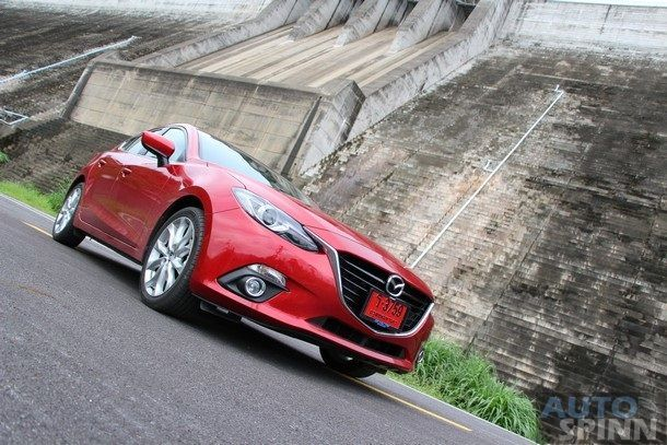 รีวิว Mazda3 (Axela)  Skyactiv SP Sports Hatchback รถติดอันดับ WORLD CAR OF THE YEAR 2014