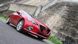 รีวิว Mazda3 (Axela)  Skyactiv SP Sports Hatchback รถติดอันดับ WORLD CAR OF THE YEAR 2014