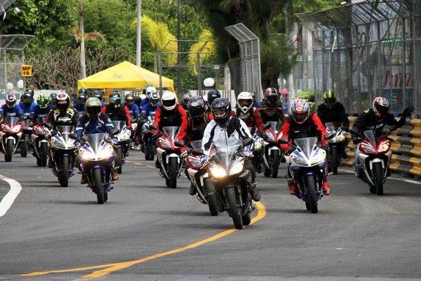 ร่วมทริปขี่เปิดประสบการณ์ Yamaha R15  ภายในสนามแข่ง Bangsaen Speed Festival 2014    พร้อมเผยทิศทางรถใหม่ปีหน้า