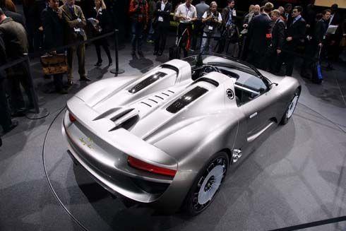 เกิดแล้ว! Porsche 918 Spyder ซุปเปอร์คาร์ไฮบริด รับไฟเขียวผลิตขาย แรง หล่อ สะอาดสุดๆ