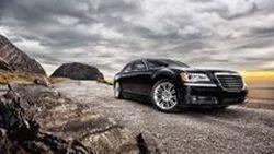 เปิดภาพ Chrysler 300 รุ่นปี 2011 ซีดานหรูขุมพลังแรง ก่อนเปิดตัวที่ Detroit Motor Show