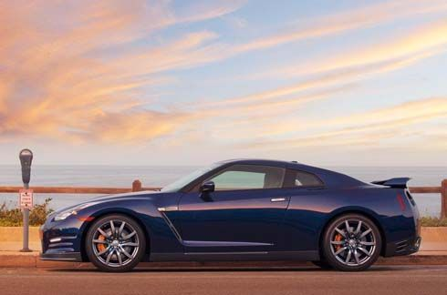 เปิดราคา Nissan GT-R ไมเนอร์เชนจ์ปี 2012 พร้อม Black Edition สำหรับตลาดอเมริกา