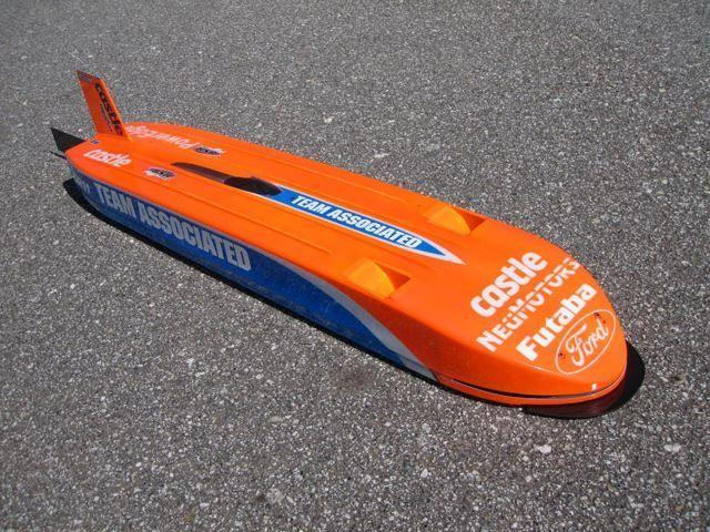 เหลือเชื่อ! RC Car   ความเร็วท้า Supercar กะทำสถิติ 200mph (322กม./ชม.)