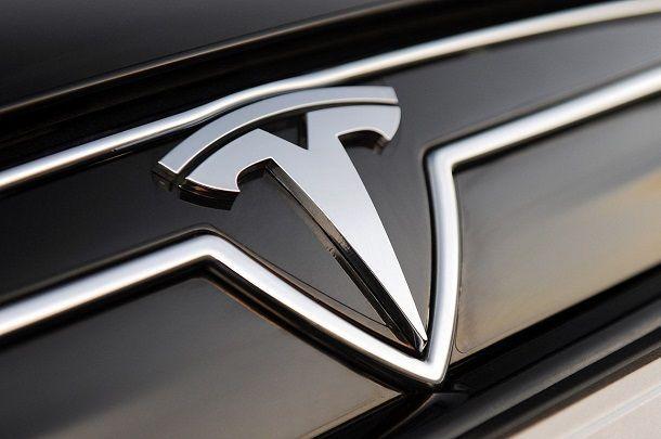 แผนใหญ่นักวิเคราะห์คาดการณ์ GM เตรียมซื้อ Tesla ในปี 2014 นี้
