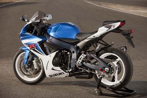 ใหม่ Suzuki GSX-R 600 ไมเนอร์เชนจ์ปี 2011 สั้นลง เบาลง เพื่อการควบคุมที่ดีกว่าเดิม