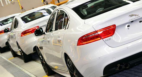เดินหน้าเต็มสูบ! Jaguar เริ่มผลิต XE คู่แข่ง BMW 3-Series