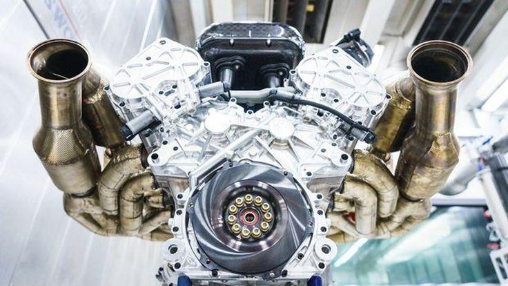 1000 แรงม้า จากเครื่องยนต์ V12 ใน Aston Martin Valkyrie