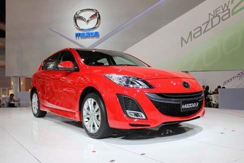 ชวนชม Mazda3 Hatchback รุ่นใหม่ล่าสุด สีแดงสดกลางบูธ Mazda ที่มอเตอร์โชว์