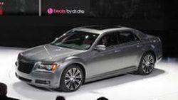 Chrysler เปิดตัวซีดานหรู 300S และ 300C Executive Series รุ่นปี 2012 ที่นิวยอร์ค