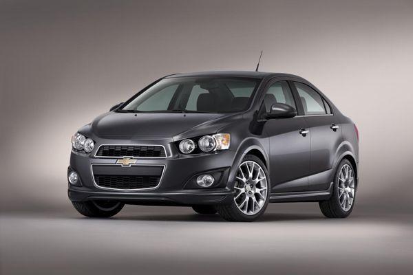 2013 Chevrolet Sonic Hatchback คันแรกของไทย ออกจากสายการผลิตแล้ว