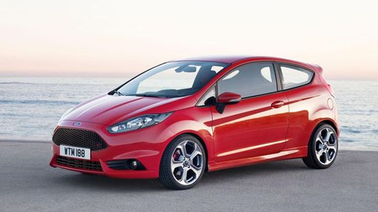 2013 Ford Fiesta ST แรงระดับ 180 แรงม้า อัตราเร่ง 100 กม./ชม.ไม่ถึง 7 วินาที