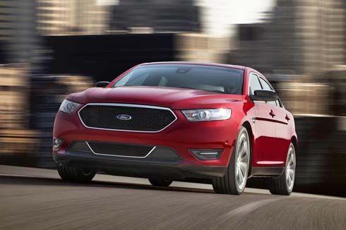 Ford เปิดตัว Taurus และ Taurus SHO ไมเนอร์เชนจ์ปี 2013 ที่ New York Auto Show