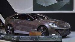 Hyundai เปิดตัว Grand Starex Premium พร้อมอวดโฉมรถต้นแบบ i-oniq