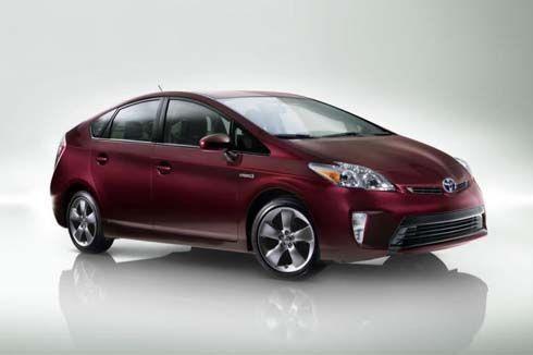 2013 Toyota Prius Persona Series เพิ่มสไตล์ให้รถไฮบริด สำหรับลูกค้าอเมริกัน