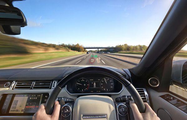 อัพเกรด 2015 Range Rover และ Range Rover Sport ใส่เทคโนโลยีและเพิ่มมัดกล้าม