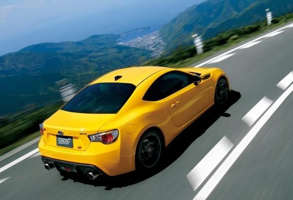 2015 Subaru BRZ tS STI หล่อเข้มดุดันทุกเส้นทาง