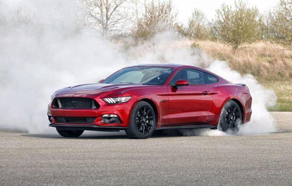 2016 Ford Mustang เผยโฉมพร้อมอัพเกรดอุปกรณ์เพียบ