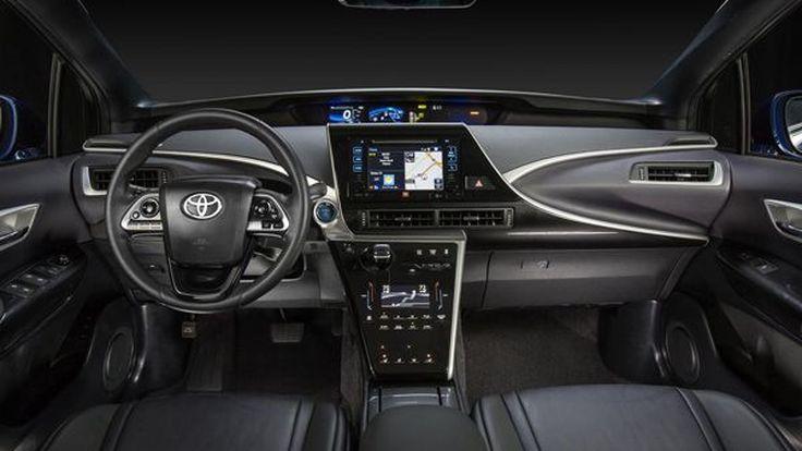 Toyota เผยภาพภายในของ Mirai รถไฮโดรเจน เคาะราคาแดนมะกันที่ 57,500 เหรียญฯ