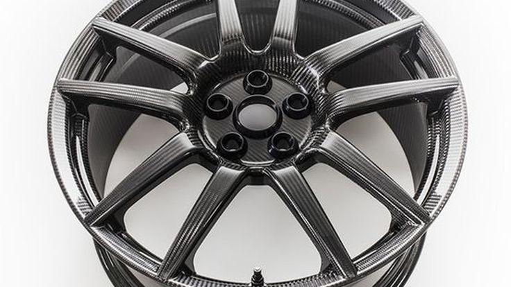 2017 Ford GT ใช้ล้อคาร์บอนไฟเบอร์เบากว่าเดิม