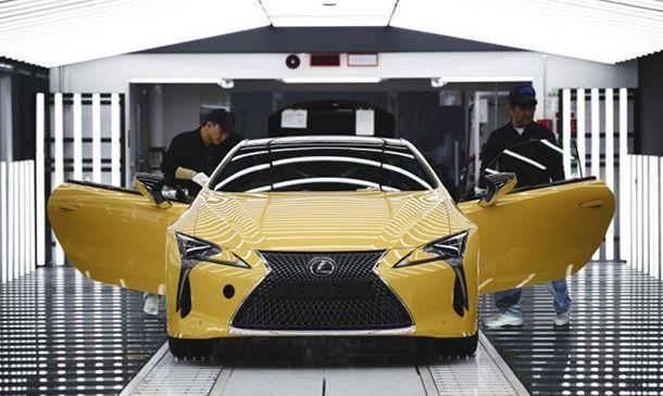 2017 Lexus LC ขึ้นสายการผลิตในญี่ปุ่นแล้ว