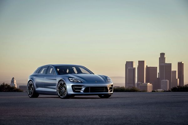 2017 Porsche Panamera มาพร้อมแพลทฟอร์มและเครื่องยนต์ใหม่แกะกล่อง