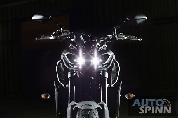 2017 Yamaha MT-09 โมฯ หน้าใหม่สไตล์ตัวพันเปลี่ยนสีสันแสบสะท้านทรวง